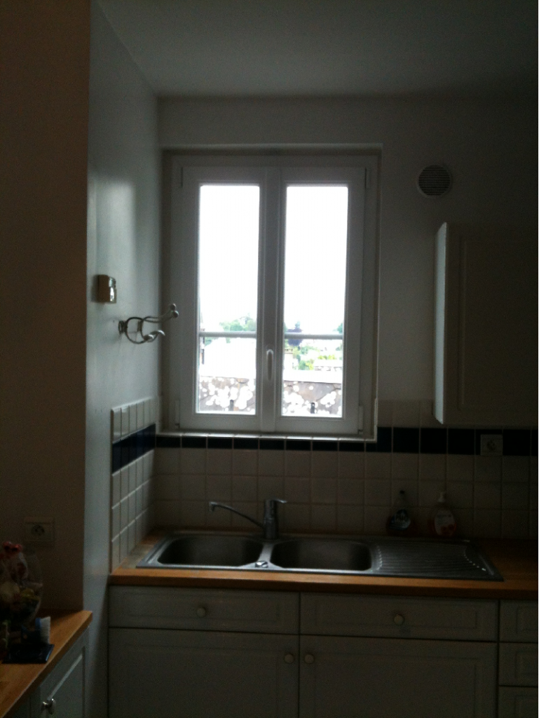 Fenetres pvc 2 vantaux pose en renovation avec depose for Pose fenetre pvc renovation