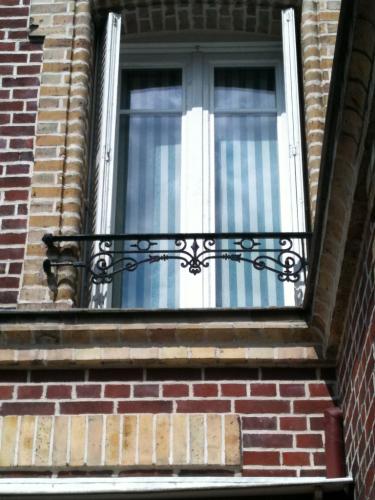 double-vitrage-renovation-avec-petit-bois-2-faces-1.png