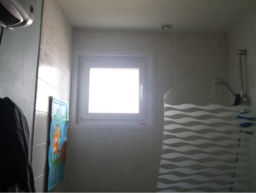 Direct fabricant fen tres pvc alu stores portails for Habillage fenetre salle de bain