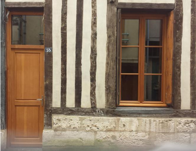 Porte d entree bois et fenetre bois rouen