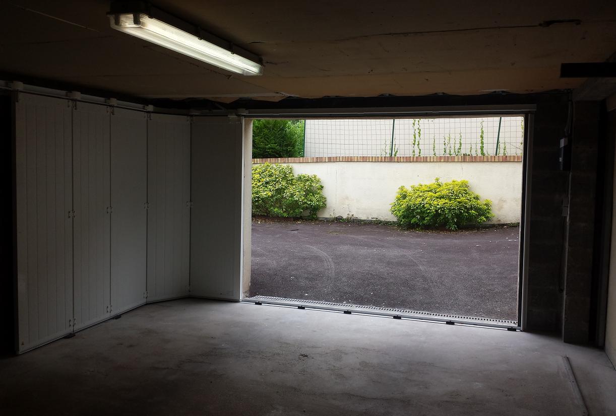 Direct Fabricant Fenêtres Pvc Alu Stores Porte De Garage - Porte garage sectionnelle sur mesure