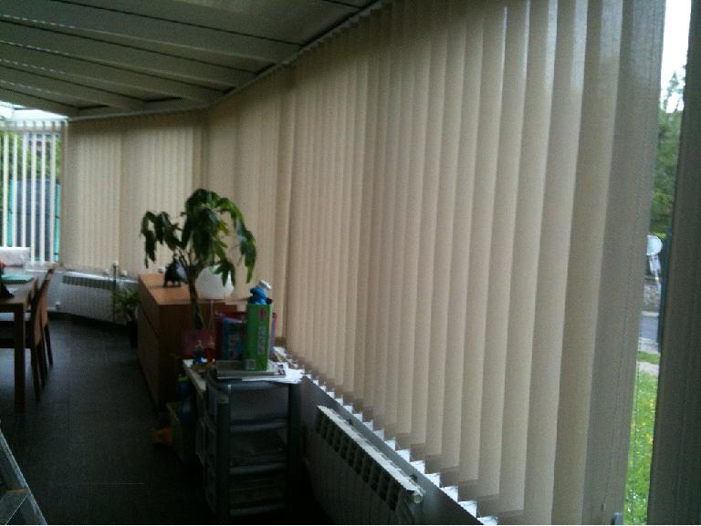 Stores bandes verticales orientables store bandes verticales store bandes verticales laloux - Store a lamelles verticales ...